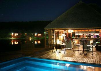 intundla-game-lodge-swimming-pool
